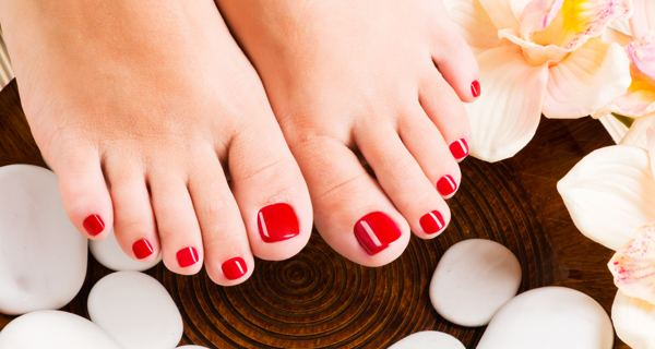 Super Deluxe Pedicure with bleach & pack